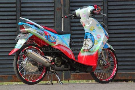 Modif Mio Sporty Ala Thailand by Foto Modifikasi Mio 2008 Ala Kartun Doraemon Terbaru
