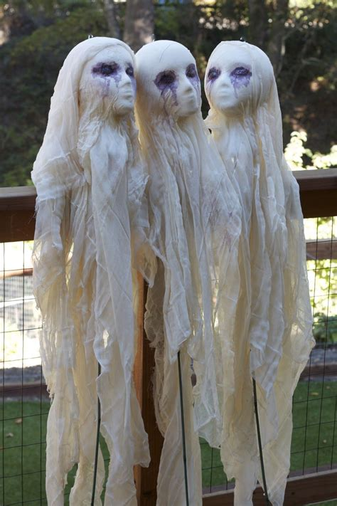Cheesecloth ghost, DIY, halloween, DIY halloween ...