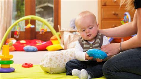 bebe 6 mois tient pas assis 6 mois motricit 233 assistante maternelle agr 233 233 e 224 equeurdreville