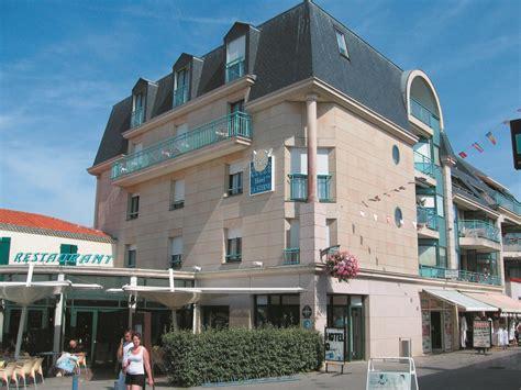 hotel la sterne h 244 tels saint gilles croix de vie