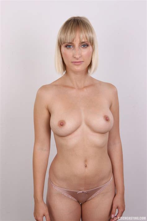 Seductive looking short hair blonde beauty - XXX Dessert ...