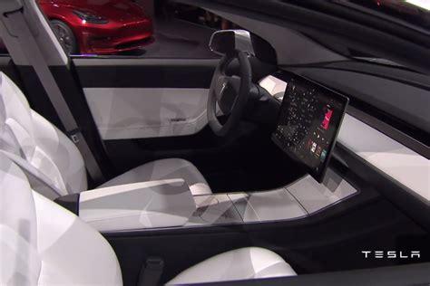 Tesla's ,000 Model 3 Won't Ship Until Late 2017, Yet It