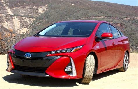 Toyota Reviews, Specs & Prices