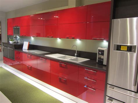 cucina scavolini rossa offerta scavolini sax rossa 8026 cucine a prezzi scontati