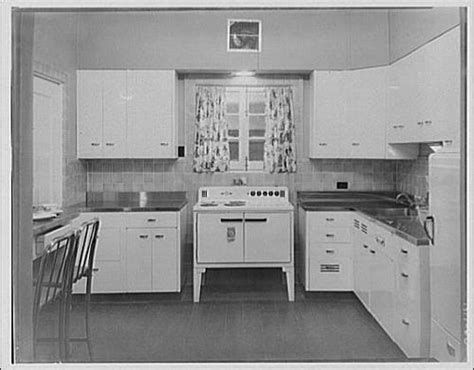antique kitchen sinks 17 best images about 30 s kitchen dining on 1283