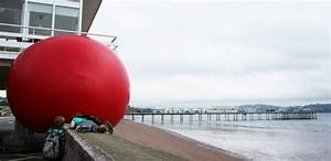 Video timelapse of kurt perschkes giant inflatable for Video timelapse of kurt perschkes giant inflatable redball uk project