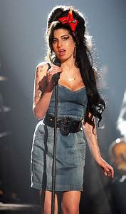 Footage of Amy Winehouse Singing at the Age of 14 Will ...