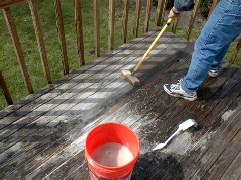 Oxygen Deck Cleaner Recipe by Use Oxygen For Cleaning Your Wood Deck