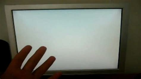 computer appears  white screen   couldt close