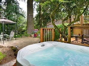 A Garden Oasis in Portland with Private Gar...