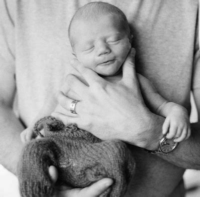 Kelly Clarkson shares first photos of her adorable son