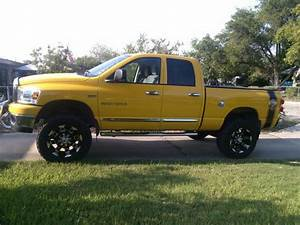 Sell Used 2007 Dodge Ram 1500 Slt Full Size Quad Cab Pickup 4