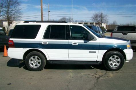 buy   ford expedition xlt  police chief small