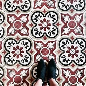 Carreaux De Ciment Rouge : carreaux ciment rouge noir ancien vintage instagram rose ~ Melissatoandfro.com Idées de Décoration