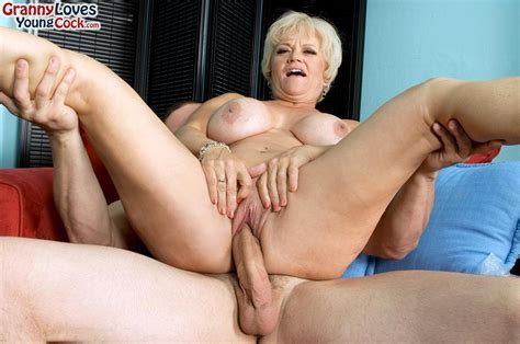 Curvy Mature Demi La Rue Has Wild Anal Sex 2 Of 2