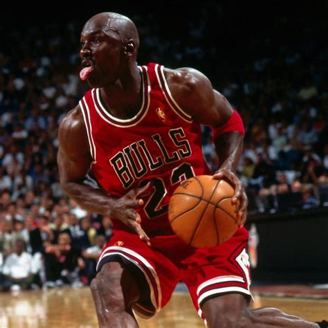 10 Greatest NBA Players of All Time | Bleacher Report ...
