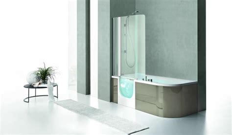 baignoire et combinee combin 233 baignoire une baignoire et une