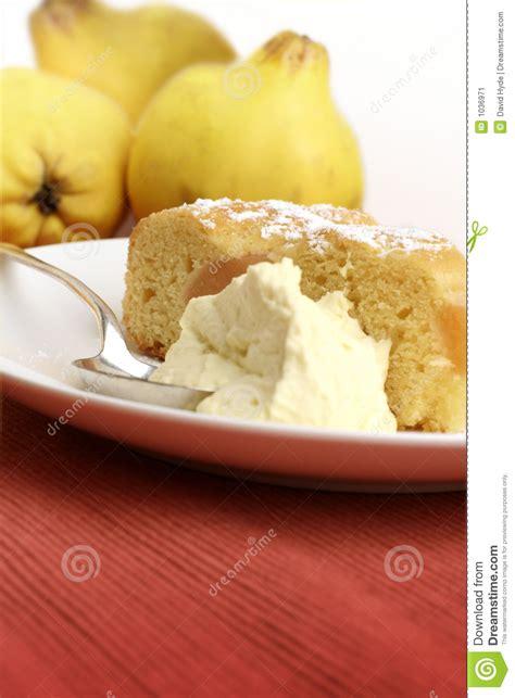dessert de coing avec le fruit image stock image 1036971