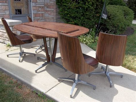 Retro Kitchen Table And Chairs Toronto by Retro Kitchen Table Retro Kitchen Table Dining Set 4