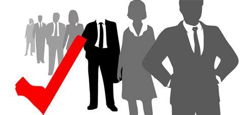 cinco perfiles directivos  buscan los headhunters en