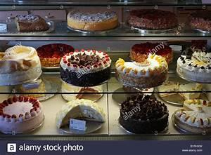 Kaufland Rothenburg Ob Der Tauber : german cake shop stock photos german cake shop stock images alamy ~ Orissabook.com Haus und Dekorationen