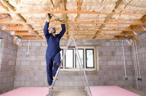 isolation plafond co 251 t moyen au m2 pour la pose d un isolant plafond