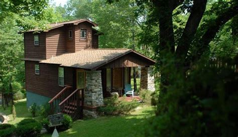 treehouse cottages eureka springs ar cabins for in eureka springs ar the b b team