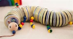 Kinderspielzeug Selber Machen : hipp gl schen leer aus den deckeln einen lustigen wurm basteln bastel ideen baby games ~ Orissabook.com Haus und Dekorationen