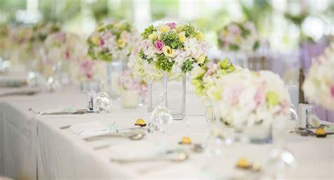 exemple deco table ronde mariage d 233 co mariage les r 232 gles pour un centre de table r 233 ussi