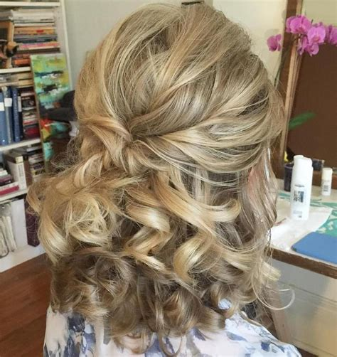 bridesmaid hairstyles for medium hair half up 50 half updos for your perfect everyday and party looks in