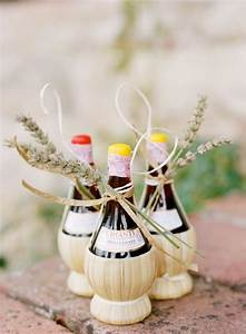 Food favor 10 fantastic favors for a fall wedding for Wedding favors for a fall wedding