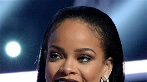 Rihanna's 2016 Vmas Vampy Lip