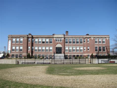 File:Coolidge School, Watertown MA.jpg - Wikimedia Commons