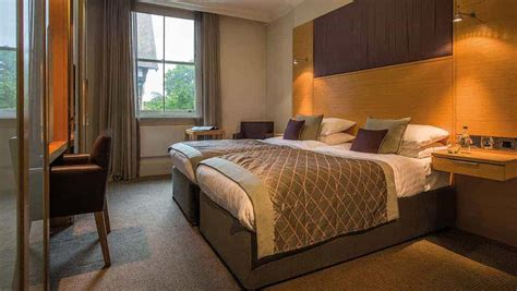 Executive Bedroom Woodlands Park. Classic Hotel. Sun Plaza International Hotel. The Cavendish Hotel. South Villa. Hotel D'Orsay. Ty Bryn Bed And Breakfast. Naturhotel Faakersee Hotel. The Sovereign Hotel
