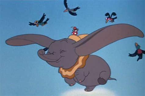 Dumbo Elefantino Volante Dumbo Torna Al Cinema Con Gli Attori In Carne Ed Ossa