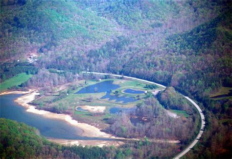 The scenic campground offers a cabin rental, tent camping, rv sites with electric hookups and a selection of lakefront sites. Cave Run Lake Aerial Pictures