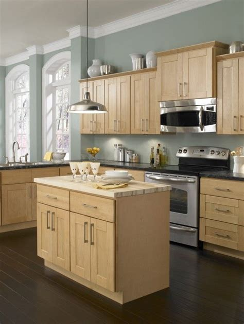 natural maple kitchen only best 25 ideas about maple kitchen cabinets pinterest