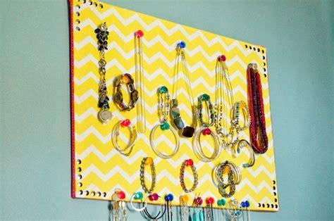 1001 id 233 es simple et pratique le porte boucle d oreille maison