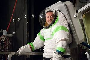 Astronaut Space Suit in Space - Pics about space