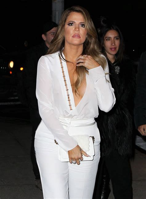 KHLOE and KIM KARDASHIAN and KENDALL JENNER Out for Dinner ...
