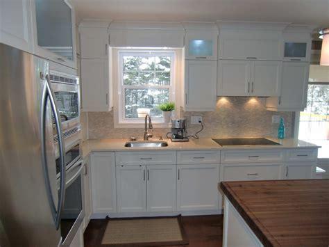 cuisine brun et blanc specialitésmm armoire de cuisine en thermoplastique blanc