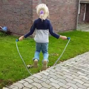 Springseil Für Kinder : kinder springseil sprungseil h pf sprung spring seil drehbare softgriffe blau 4052371219150 ebay ~ Eleganceandgraceweddings.com Haus und Dekorationen