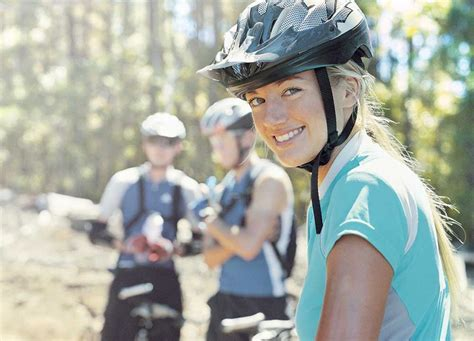 A car is damaged by a cyclists cycling without due care and attention, who has to pay for the damage? Specialist Cycling Insurance by ERV UK Cycling & Traithlon Travel Insurance Providers