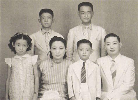 Mei Lanfang Family Portrait.jpg