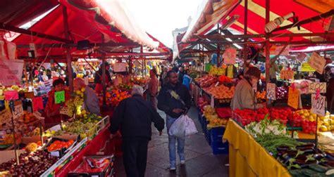 la cuisine du marché marché de porta palazzo quot le ventre de turin quot italie decouverte