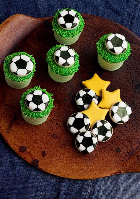 sugar goals    soccer cupcakes martha stewart