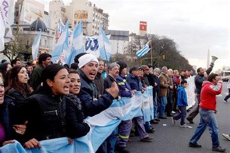 Labor Crisis in Argentina Fuels Economic Worries - WSJ