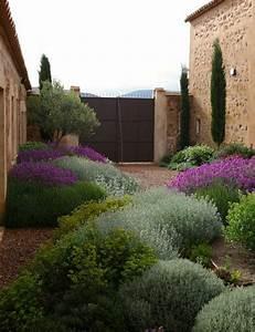 Gartengestaltung Hang Modern : die 25 besten ideen zu mediterraner garten auf pinterest ~ Lizthompson.info Haus und Dekorationen