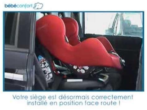 installer siege auto bebe confort installation à la route du siège auto groupe 1 neo