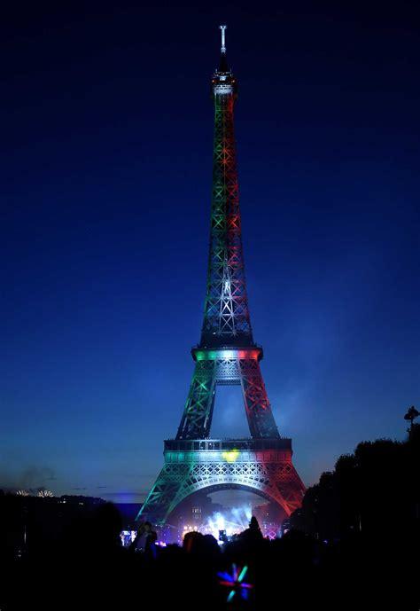 Fotogalería: Los colores de México iluminan la torre ...